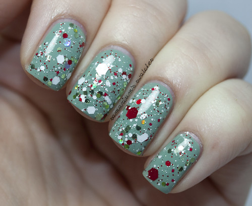 Jindie Nails Elfing Around (9)