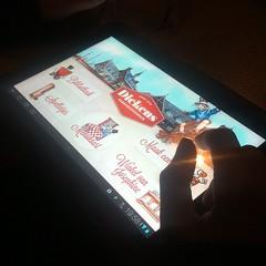 Für die Kinder gibt's hier iPads zum Zeitvertreib. Warum nur für Kinder? ;)