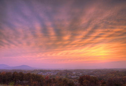 city pink sky mountains clouds evening twilight dusk roanoke valley terry salem blush hazy hdr vinton aldhizer terryaldhizercom