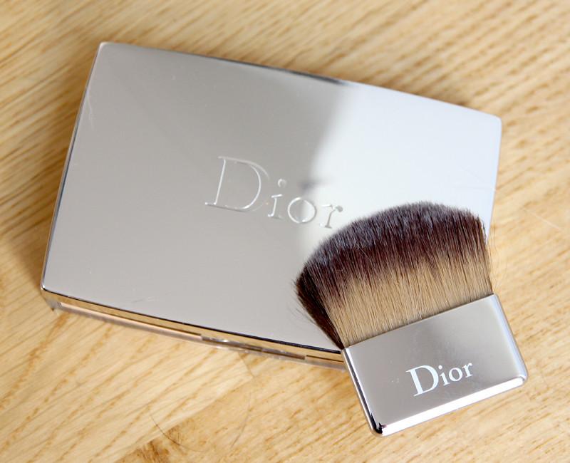 Dior Diorskin nude skin-glowing makeup SPF15