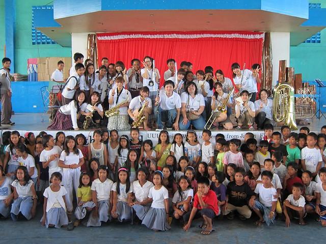 スラムの音楽教室inフィリピン-学校で学べない子ども達にオーケストラで教育を!_05
