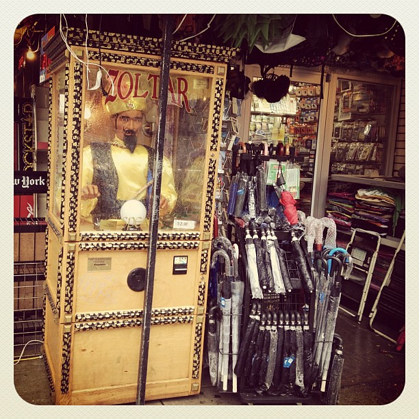 Stuck in NYC for Sandy without a place to crash? Ask Zoltar for help!