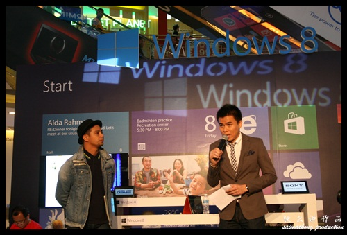 Noh from the local music band Hujan + Mizz Nina collaborate with Microsoft Windows 8
