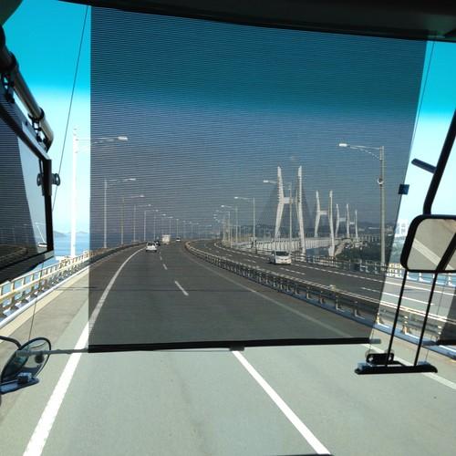 瀬戸大橋を渡る by haruhiko_iyota