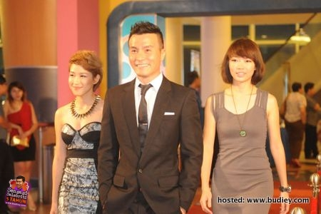 L-R Actress & Host, Mayjune Tan, Actor, Frederick Lee, Host, Mei Sim