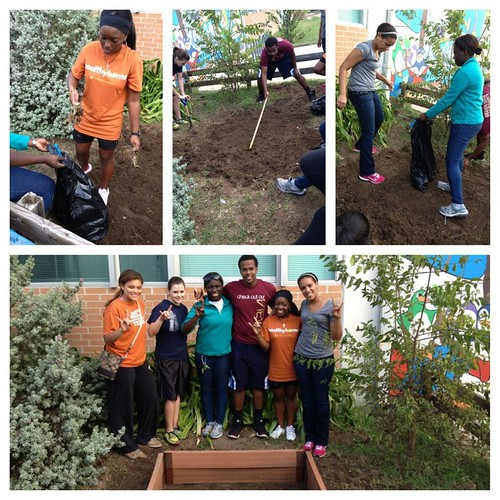 Students Volunteer in Engage Austin!
