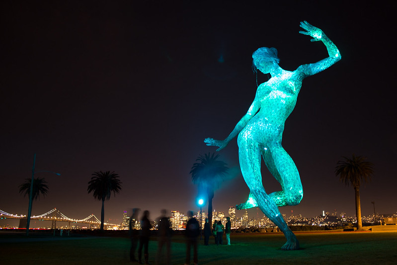 Lit statue at night -- help critique?