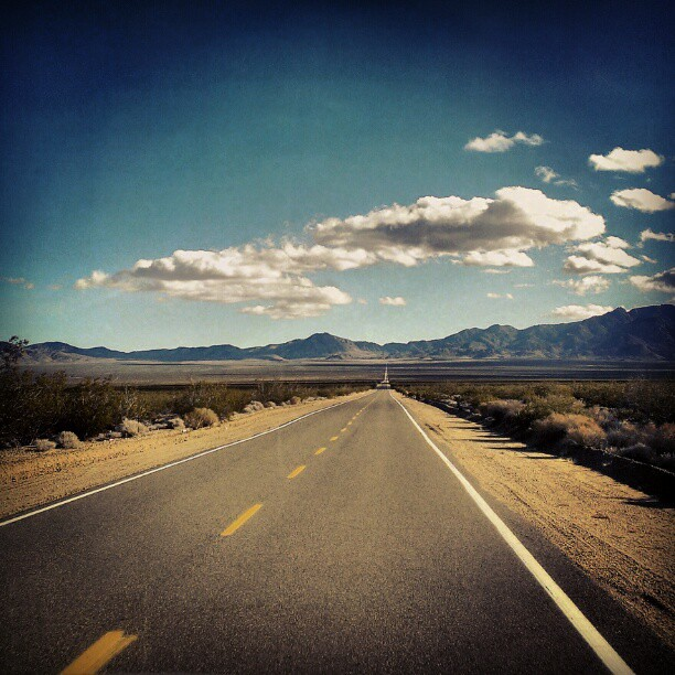 Down The Road #Mojave #California #vanishingpoint #igers
