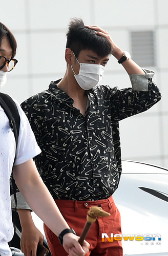 BIGBANG Incheon Airport to Shanghai Press 2015-06-19 071