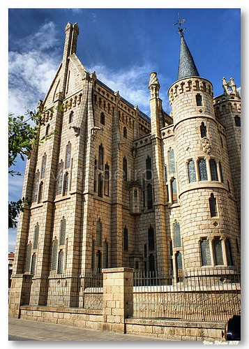 Palácio Episcopal de Astorga by VRfoto