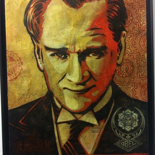 Obey Atatürk ('o bey' also means 'that gentleman is')
