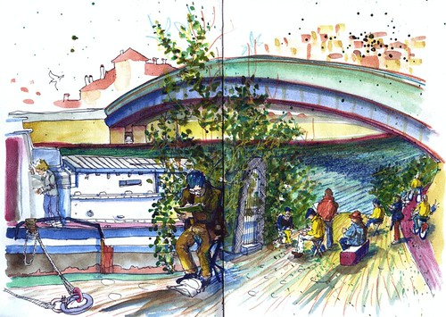 Lyon - Sketchcrawl - Sketchers and people walking by the riverside