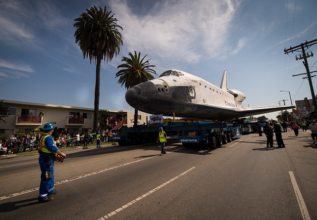 Space Shuttle Endeavour Move (201210130050HQ)