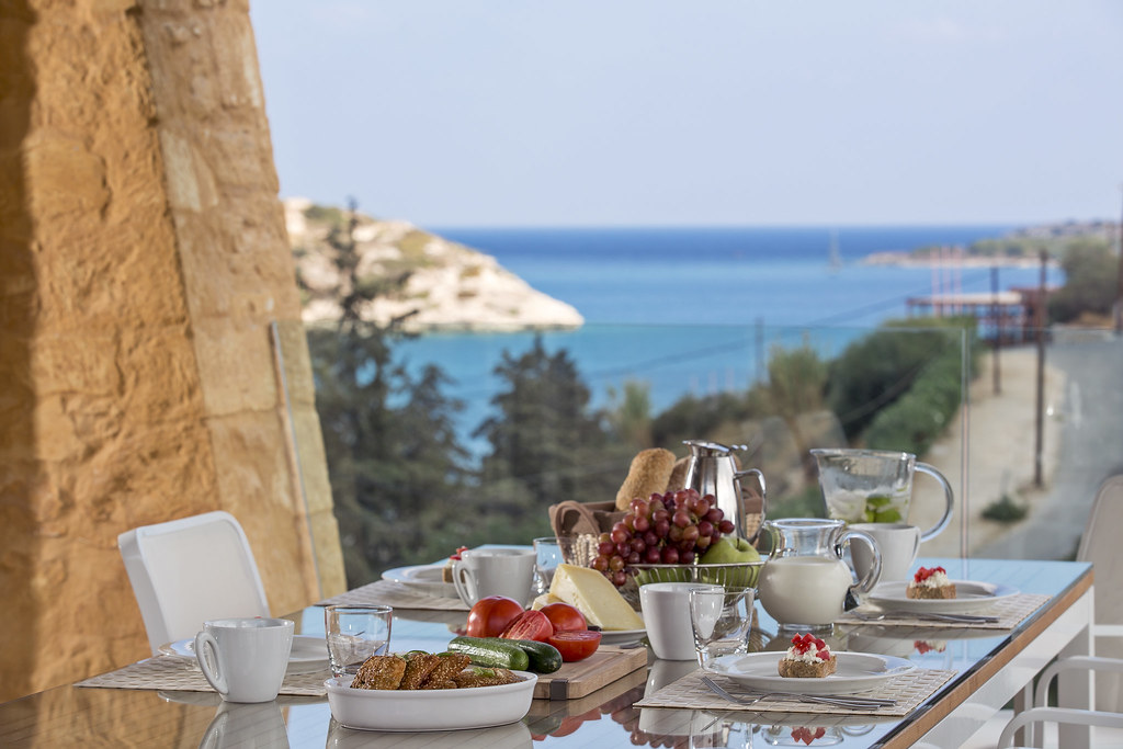 Luxury Villa in Crete - Breakfast with a View