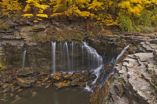 autumn fall nature water landscape waterfalls conservationarea niagaraescarpment 20milecreek upperballsfalls