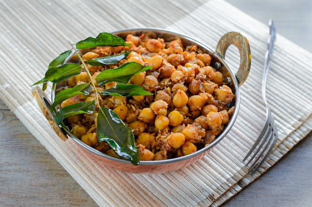 Chana Sukka (Sweet and Spicy Chickpea and  Coconut Sauté)