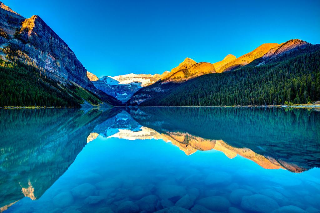 Lake Louise 晨光