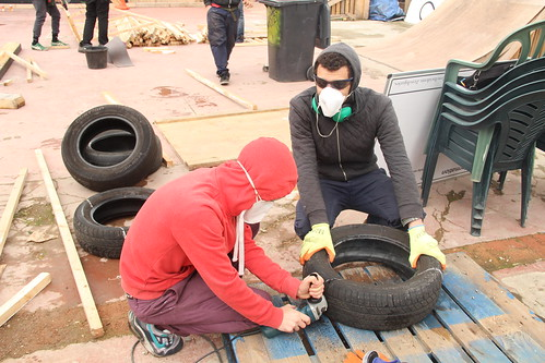 Testing to cut a tyre