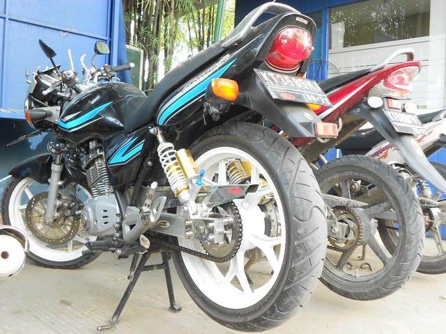 Suzuki Thunder 125 Ban Lebar Ukuran Depan 120 Belakang 130 bersama Vixion