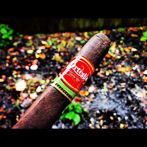 A Serie D Maduro by @eddieor while the wind and rain come.