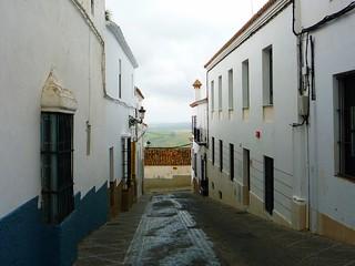 Weißes Dorf abseits der Touristenströme