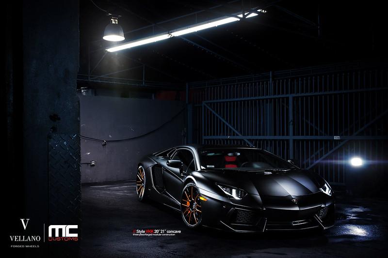 Lamborghini_Aventador_LP700_vkkC_04