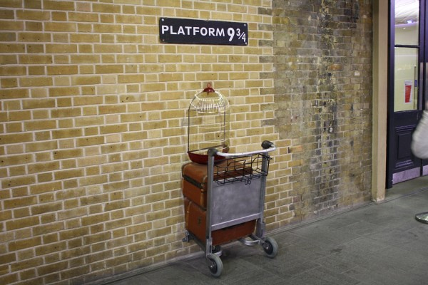 Harry-Potter-Platform-9-3-4-kings-cross-600x400