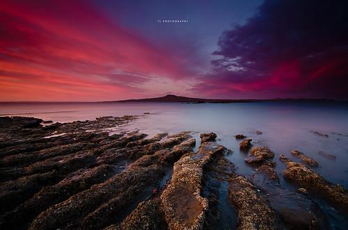 longexposure sunset sea newzealand sky water lines rocks skies auckland flaming hitech nationalgeographic rangitoto twop longexposures ndfilter ndfilters hitechfilters hitechnd hitechreversegrad