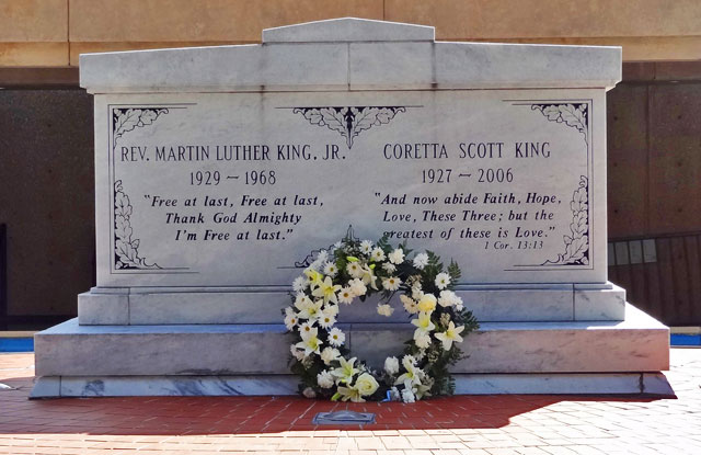 martin-luther-king-tomb
