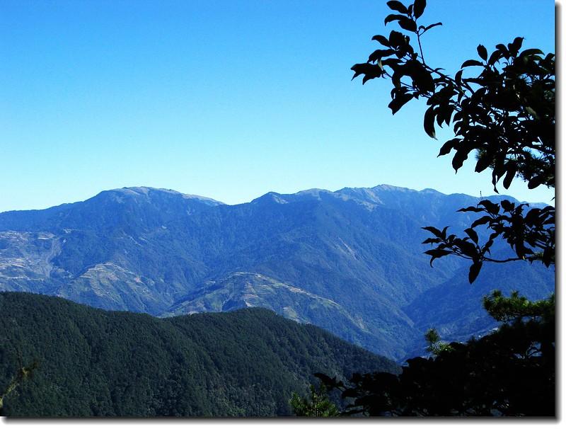 2240營地下東眺合歡群峰