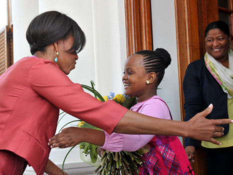 us first lady michelle obama meets first lady nompumelelo