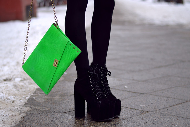 Blogger outfit: ohhandy green clutch AX Paris jumper 3