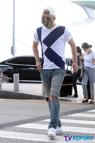 BIGBANG Incheon Airport to Shanghai Press 2015-06-19 002