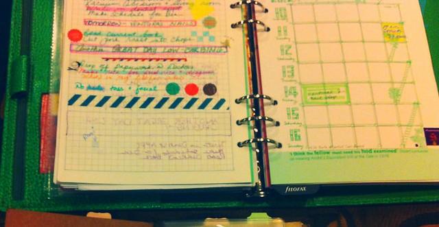 Filofax a5 compared with a Midori Traveler's Notebook