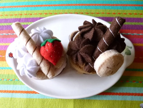 Felt play food - Mini cakes