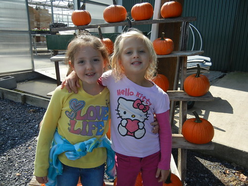 Sept 25 2012 Showalter Orchard Kindergarten Field Trip Brooklyn Clark & Shanna