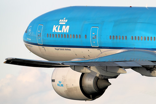 KLM 777-200ER PH-BQB  after take off from EHAM Schiphol