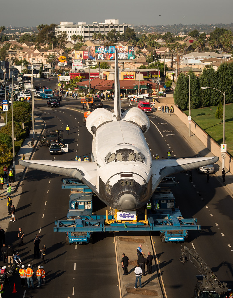 Space Shuttle Endeavour Move (201210130007HQ)