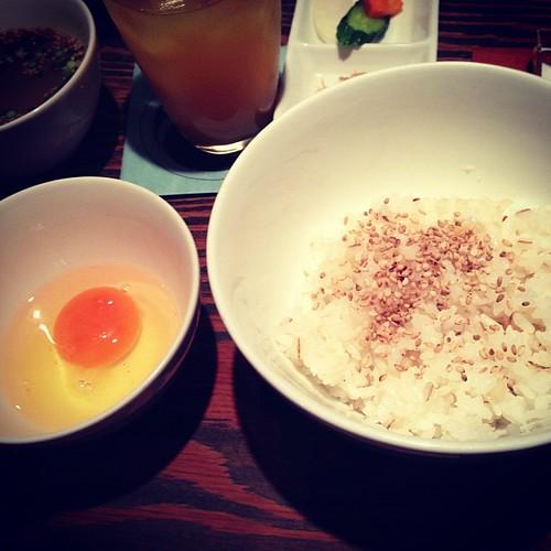 卵かけ麦ごはん