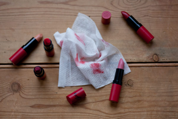 lipstick-mess