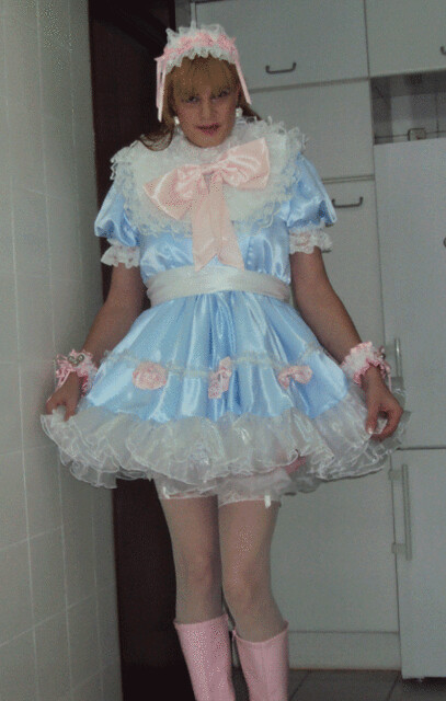 Sissy Men Dress Up http://www.flickr.com/photos/22979184@N05/8122357000/