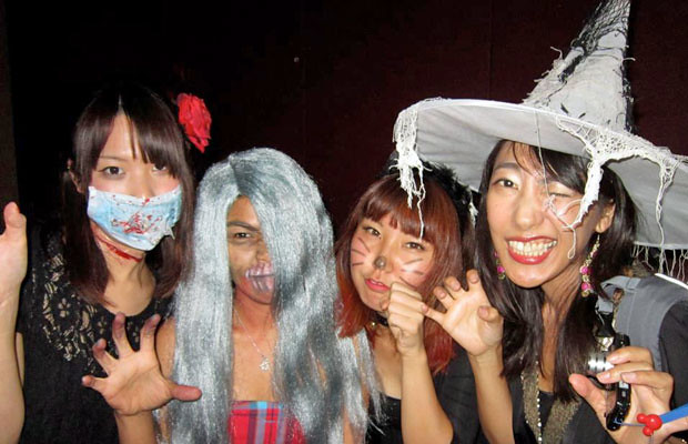 <p>UH Manoa's NICE program Halloween party</p>