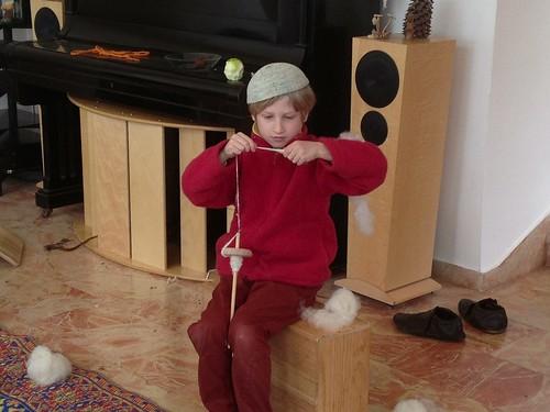 Yoav spinning wool
