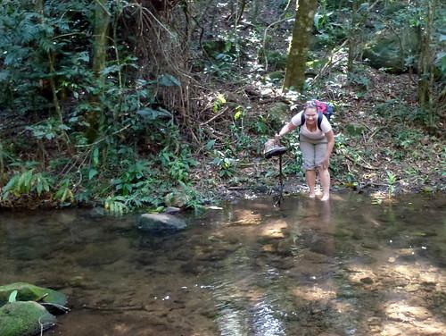 Parque Nacional Rincon de la Vieja - Lesley door de rivier