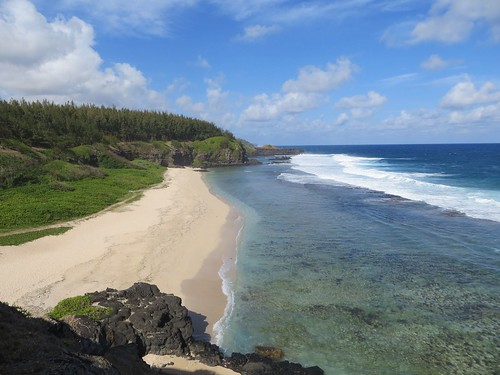 Whatto do in Mauritius - have a picnic at Gris-Gris beach