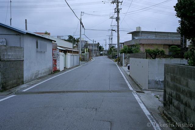読谷村を歩く / Walking Yomitanson