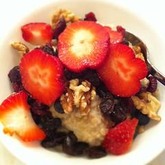 breakfast cereal, meal, breakfast, berry, strawberry, frutti di bosco, fruit, food, dish, dessert, muesli,