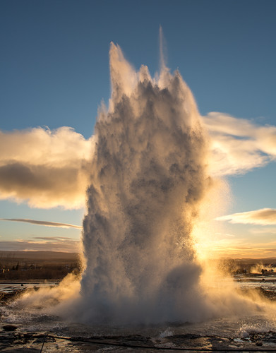 winter sunset water iceland dusk blow geyser geysir strokkur thermal thingvellir stokkur thomasheaton