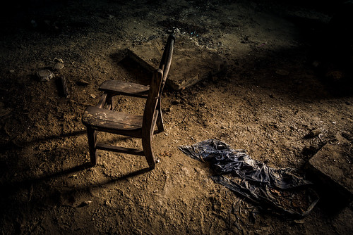 usa abandoned dark photography chair decay neglected dirty remains dirtfloor