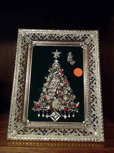 Vintage jewelry Christmas tree art